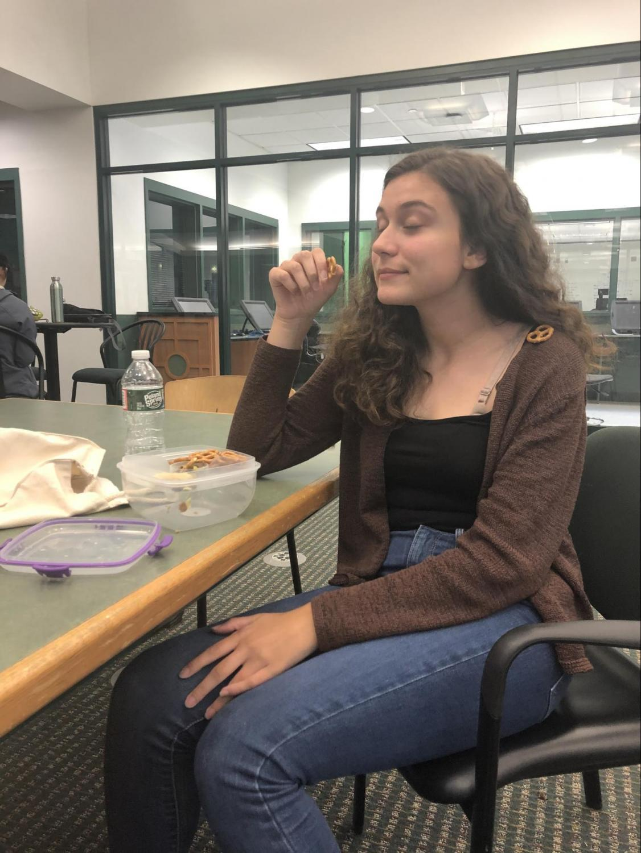 Juliana Sousa enjoys a quiet lunch in the LMC.