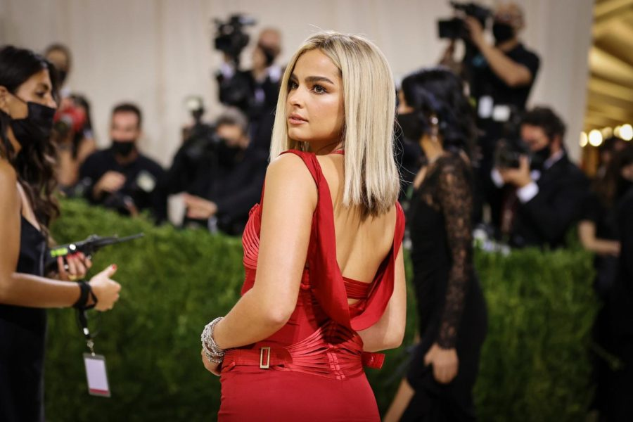 Perhaps the closest, Addison Rae, was wearing a red dress that was speculated by the E! Hosts to be a vintage Tom Ford. Both Dixie and Addison's dresses were plain, giving homecoming or prom vibes more than Met Gala.